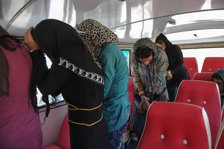 Iran: Young women arrested in a private party in Shriaz