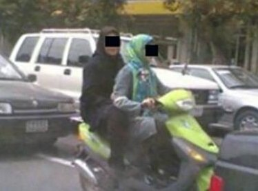 2Young-Girls-Were-Arrested-Riding-Motorcycle-Dezful