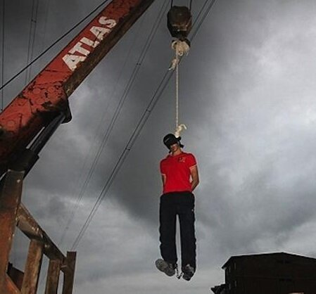iran_hangs_man