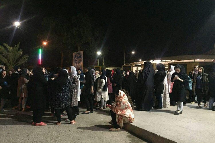 Girl students stage protest gathering in Ahwaz