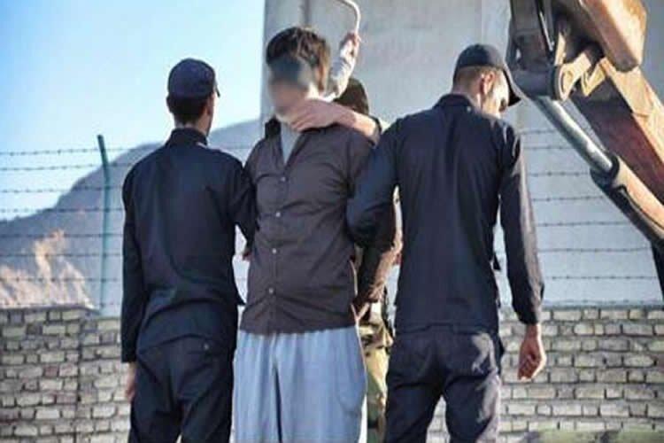 Iran publicly hangs a man in Darab