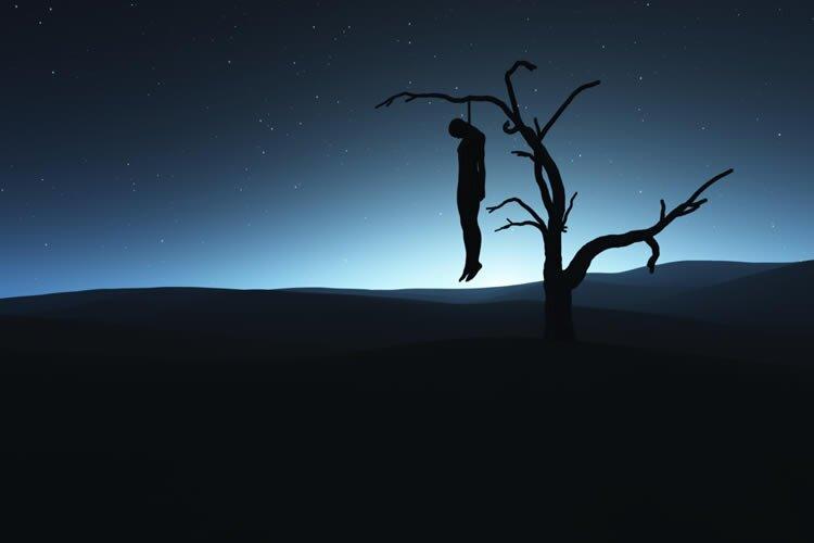 prisoner commits suicide