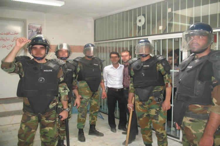 Prison guards raid Evin Prison