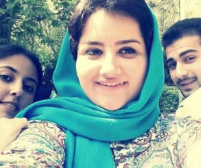 Iran: Three young Baha'is were deprived of education, face prison terms