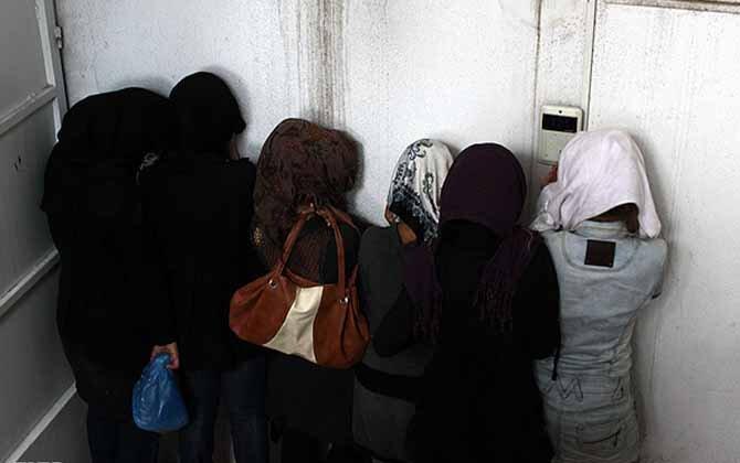 Iran arrest partygoers