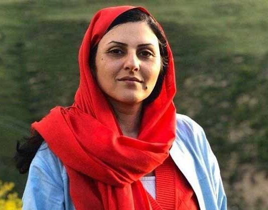 Civil rights activist Golrokh Ebrahimi Iraee arrested by security forces